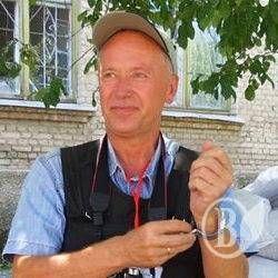 Закрито кримінальну справу про напад на журналіста Савенка охороною Атрошенка