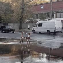 Немов пороблено: знову фонтан на перехресті Шевченка й Молодчого