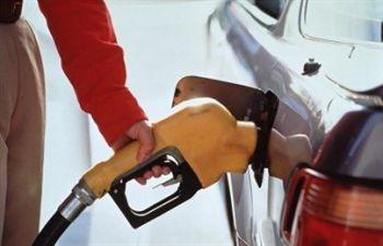 Цены на бензин в 2012 году будут расти в мире и Беларуси