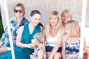 Бережная отметила день рождения дочери с семьей Брежневой