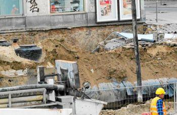 Провалилася центральна вулиця Варшави: мешканців евакуюють