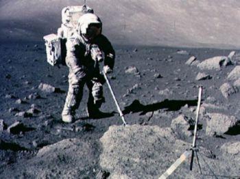 На Луне ученые обнаружили жизнь