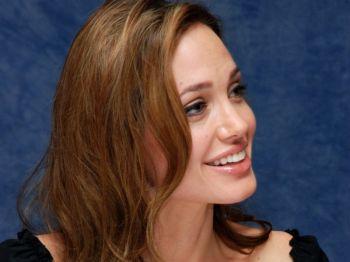 Анджелина Джоли продолжит снимать кино