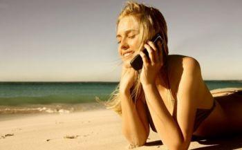 В проблемах с кожей виноваты мобильные телефоны и освещение