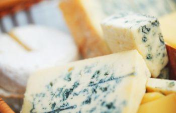 Сыр с плесенью лучший для диеты