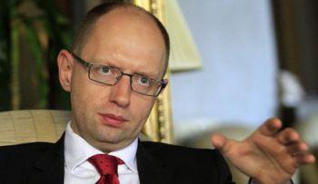 Вопрос о членстве Украины в НАТО не стоит,отметил Яценюк