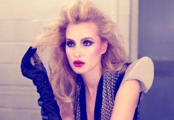 Мужчины считают, что большинство женщин используют слишком много косметики