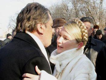 """Історія """"стосунків"""" Ющенка і Тимошенко: від дружби до відвертої ворожнечі"""