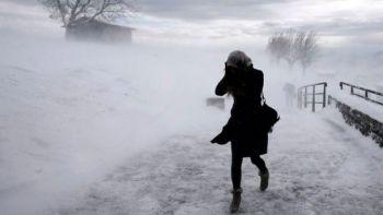 В Україні — штормове попередження та ожеледиця